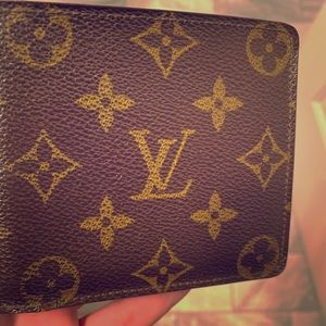 Authentic Loui Vuitton Multiple Wallet M60895